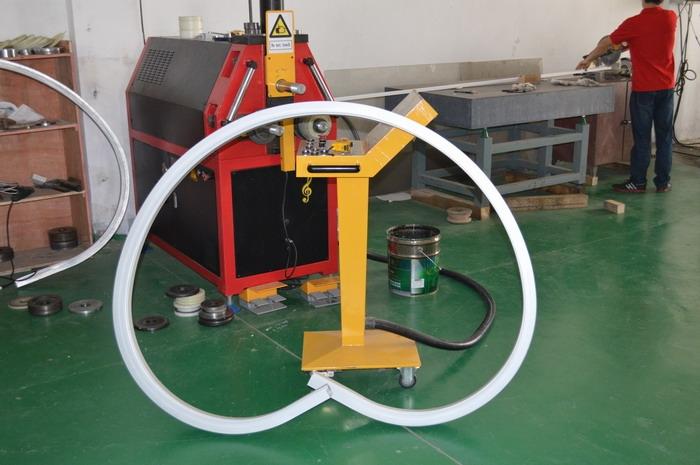 上海领技型材拉弯厂