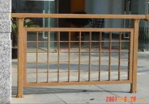 铝合金仿木欧式窗户图片