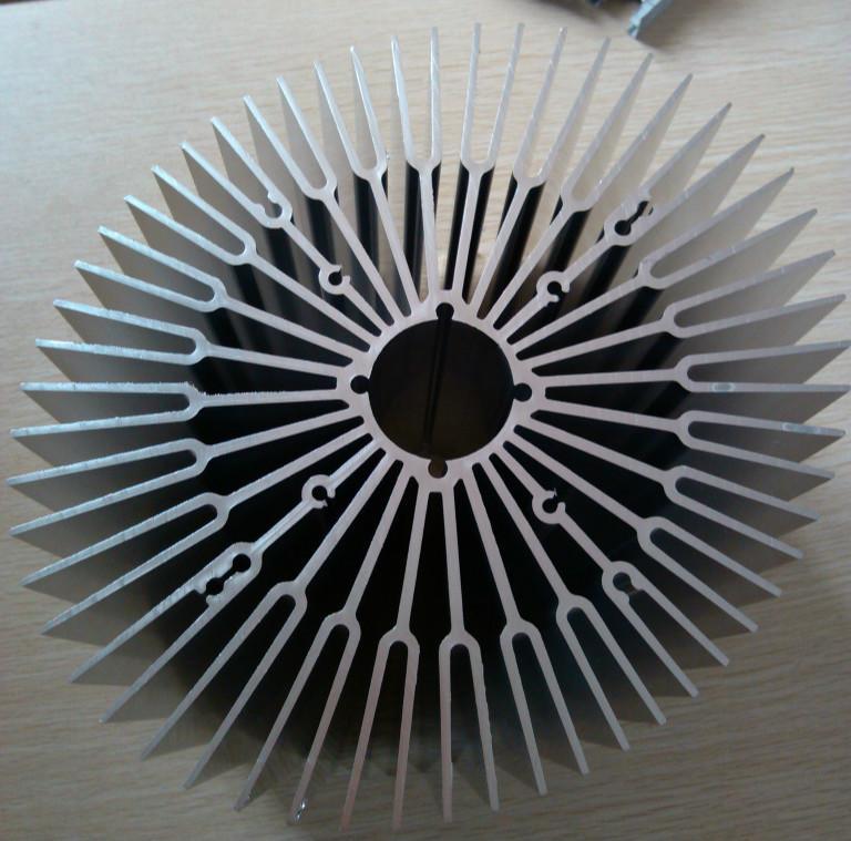 办公高隔铝型材,太阳能边框铝型材