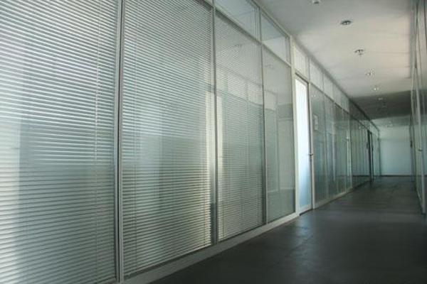 双玻百叶隔断价格 双层玻璃隔断图片