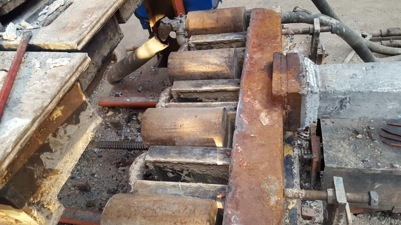 电渣板极熔焊技术维修包铝阳极钢爪