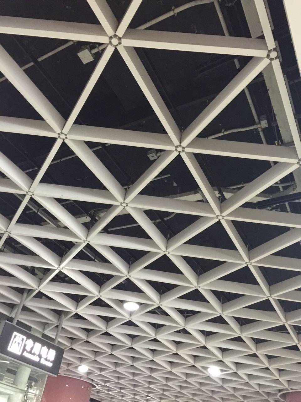 三角形铝格栅吊顶效果图