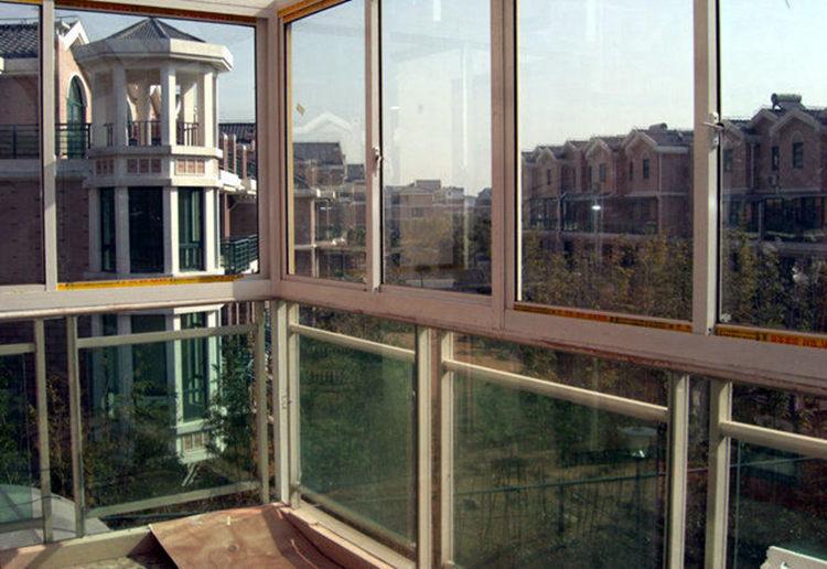 别墅阳台铝合金门窗