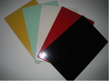 共有上百种不同规格不同颜色的板材