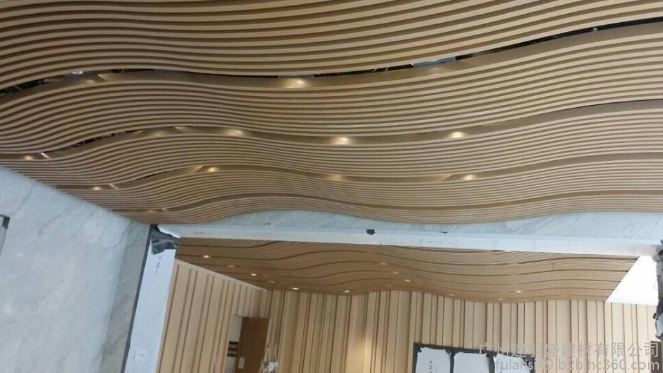 可设计加工成弧形,梯形,跌级等多种造型装饰效果,表面处理有一百多种