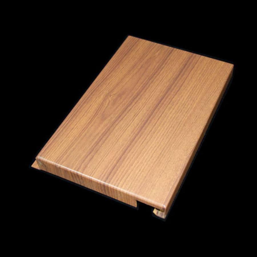 品名称:木纹铝单板 形状:方形 产品规格:一般为100-150mm,高度200-250mm,厚度300-400mm 材质:铝材,镁铝合金 板厚:2.03.0mm 制造工艺:模压成型 表面工艺:喷涂、烤漆、滚涂、覆膜 自定义类型:长度6米以内可以任意定制,特殊尺寸、表面颜色、安装配套可根据需求定制。 ?