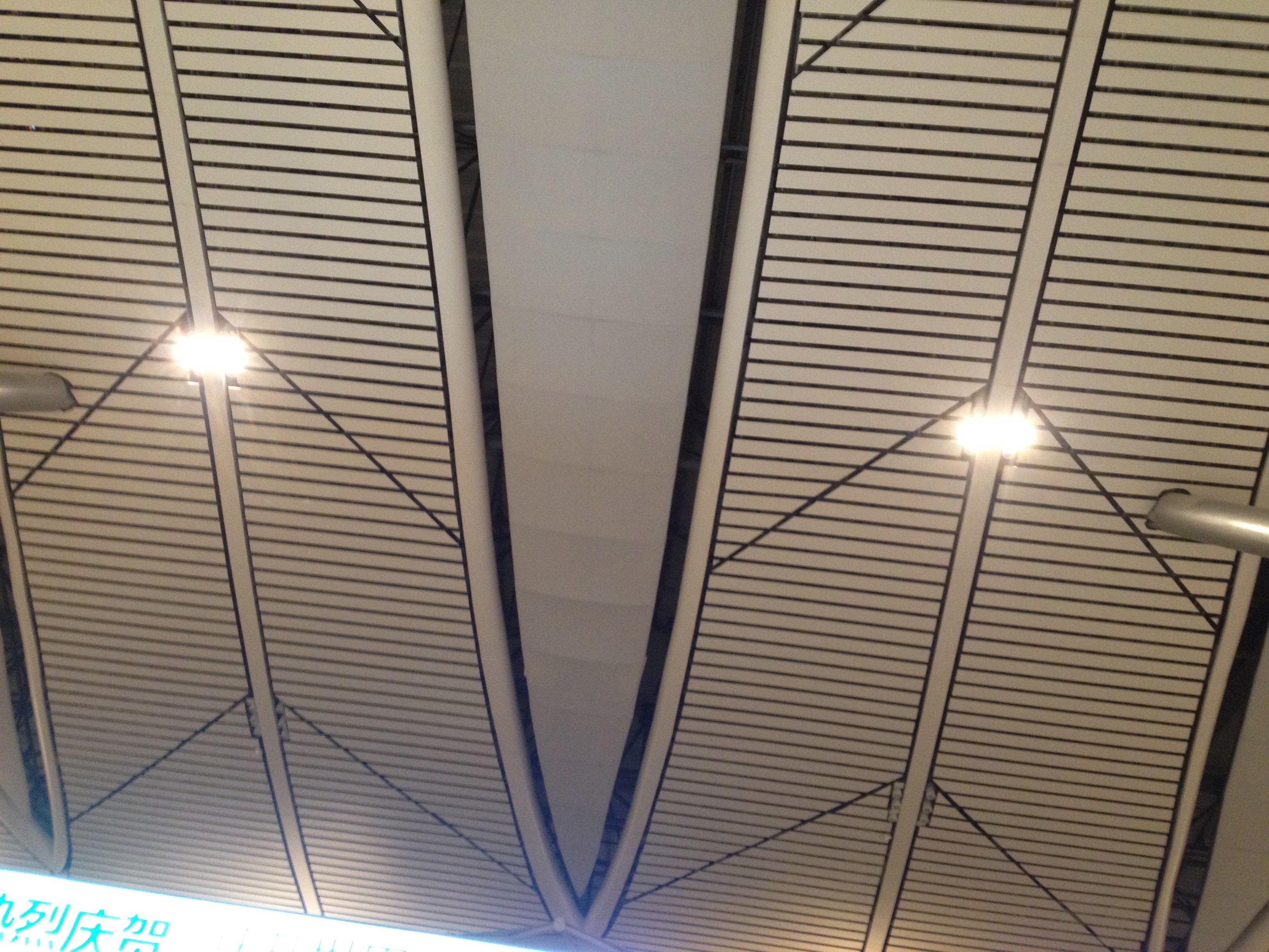 大量铝方通吊顶货存 厂家价格