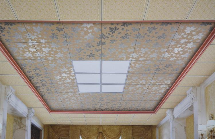 如客厅与餐厅,通过吊顶分割,既可以使两部分分工明确,又使下部空间