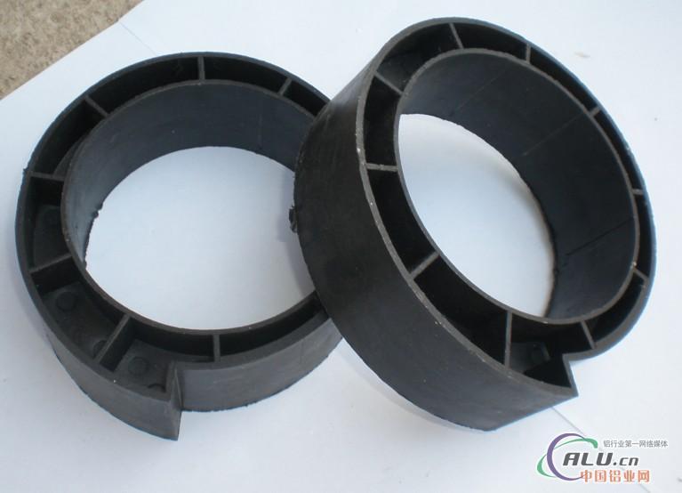 公司主要生产批发各种欧式保温卷帘门配件和澳式消音