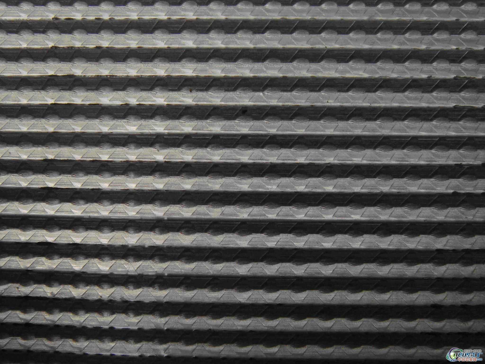 天津倍诚金属材料销售有限公司依托山东、青海、甘肃等地各大铝业企业,并与天津、河北等地铝业企业达成合作。主营铝锭、铝板板、铝棒、铝管及各种铝型材等产品。公司资源充足,规格齐全,库存量大,质优价廉。同时可根据客户的要求做非标铝材,时间短,质量高。公司铝材主要产品详细铝管: 材质1060、2A12、2024、3003、3A21、5A02、5052、6061、6063、7075圆管,外径:φ6mm~φ310mm,壁厚:1mm~25mm 铝卷:材质1060、2A12、2024、3003、3A21、5