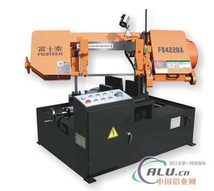 2 温度:0~40℃ 功能与特性 1,采用液压夹钳结构,工件可自 锯床后方或图片
