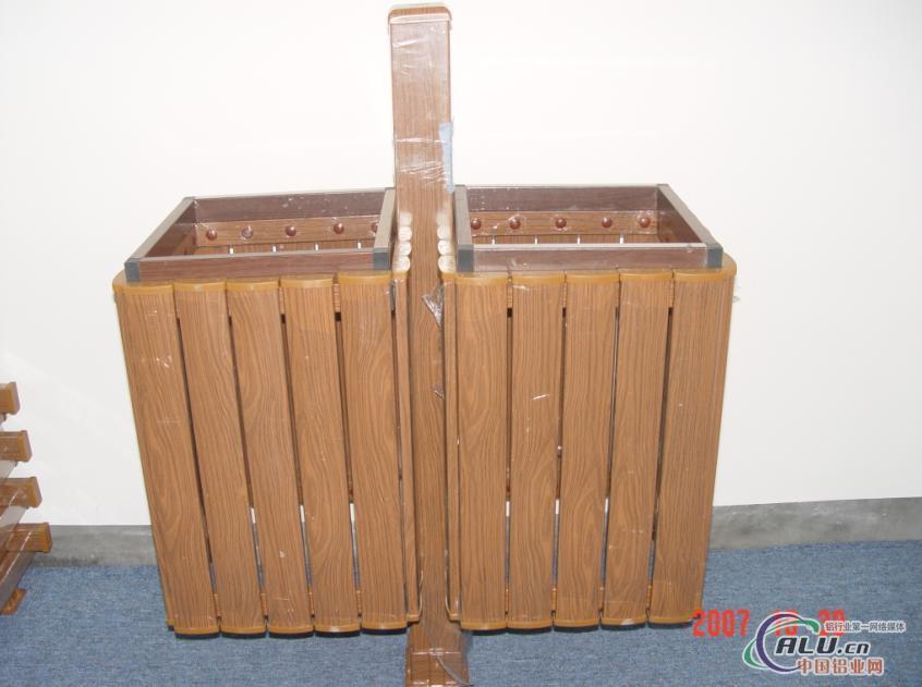 外环卫垃圾桶06