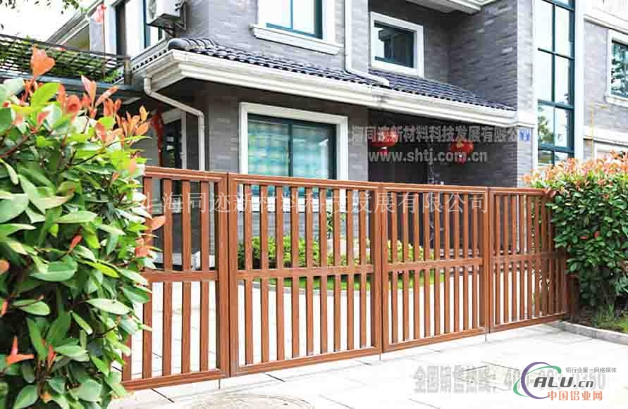 供应铝合金门|防腐仿木庭院门