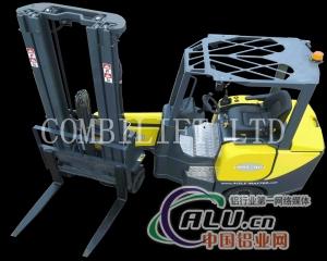 爱尔兰摩纳翰郡的Combilift叉车