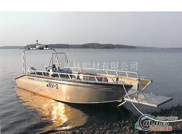 油桶改装船