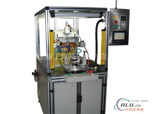 镇江精工焊接设备有限公司 本机采用费斯托、SMC、亚德克气动元件、SMF1-800中频焊控制器和触摸屏进行系统控制,因此该机具有如下特点: 1.气缸压力可以通过减压阀进行无阶段调整,实现细微设定; 2.由于焊接压力通过减压阀调整设定,因此压力稳定,可以得 到恒定的焊接品质; 3.由于焊接控制器能通过前段电流的镀层处理作用以及后段电流进行焊接作用,设定出理想的防飞溅,抑制焊接电极过热的最佳焊接电流,因此电极对于熔核的应答(追随性)速度快,不易发生爆飞,表面过度压痕等不良现象,可以很好的完成焊接;并且每一个焊