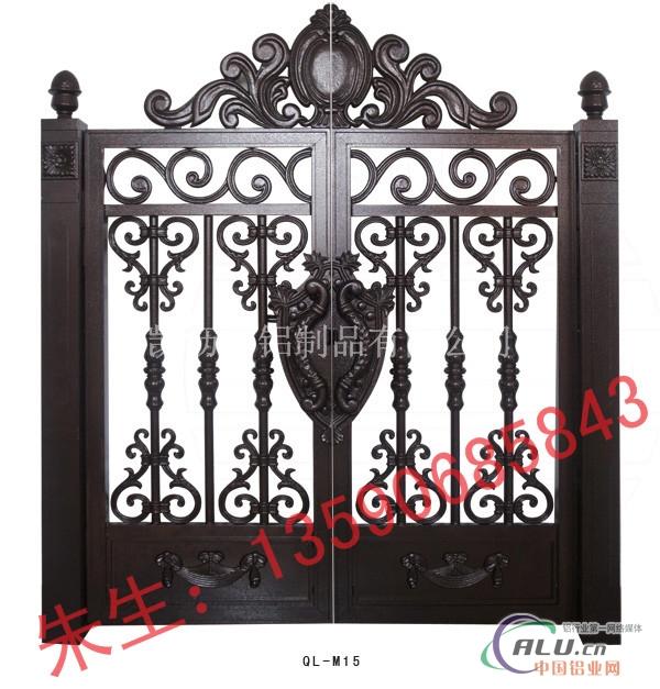 门头采用拱型设计与别墅建筑的弓型相得益彰,纯欧式 联系人:朱先生