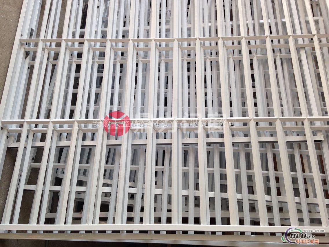 明光市最大的格子式防盗窗厂家