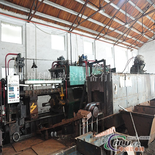 1800T铝型材挤压机
