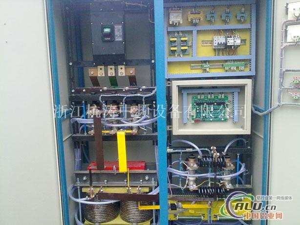 中频感应加热设备有多家生产厂商,也许我们不是你唯一的选择,但是作为中频感应加热设备生产企业之一,我们愿意作为你的参考选择。中频感应加热设备、厦门杭涛从设计到生产都采用现代化的配套设施,严格按照国家标准执行。中频感应加热设备——就选引导行业先锋的厦门杭涛。欢迎来电咨询中频感应加热设备相关事宜! 中频炉感应加热炉是一种将工频50HZ交流电转变为中频(300HZ以上至20K HZ)的电源装置,把三相工频交流电,整流后变成直流电,再把直流电变为可调节的中频电流,供给由电容和感应线圈里流过的