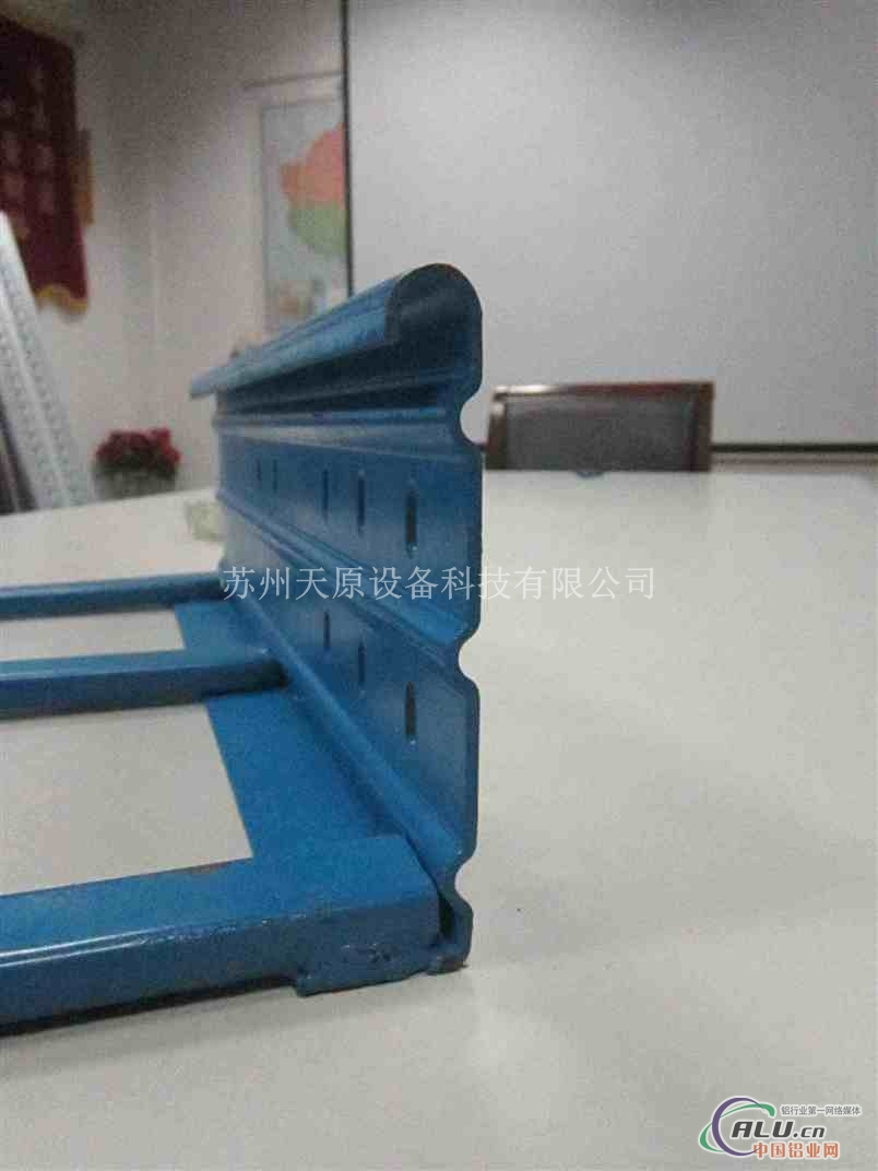 梯边式桥架型材全自动生产线设备