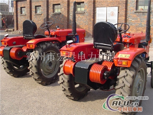 各种规格拖拉机牵引机机动绞磨机图片