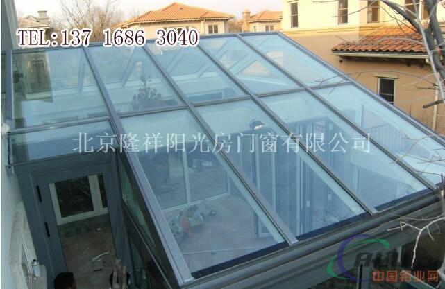 4,钢结构密封性能好 由于焊接结构可以做到完全密封,可以作成气密性
