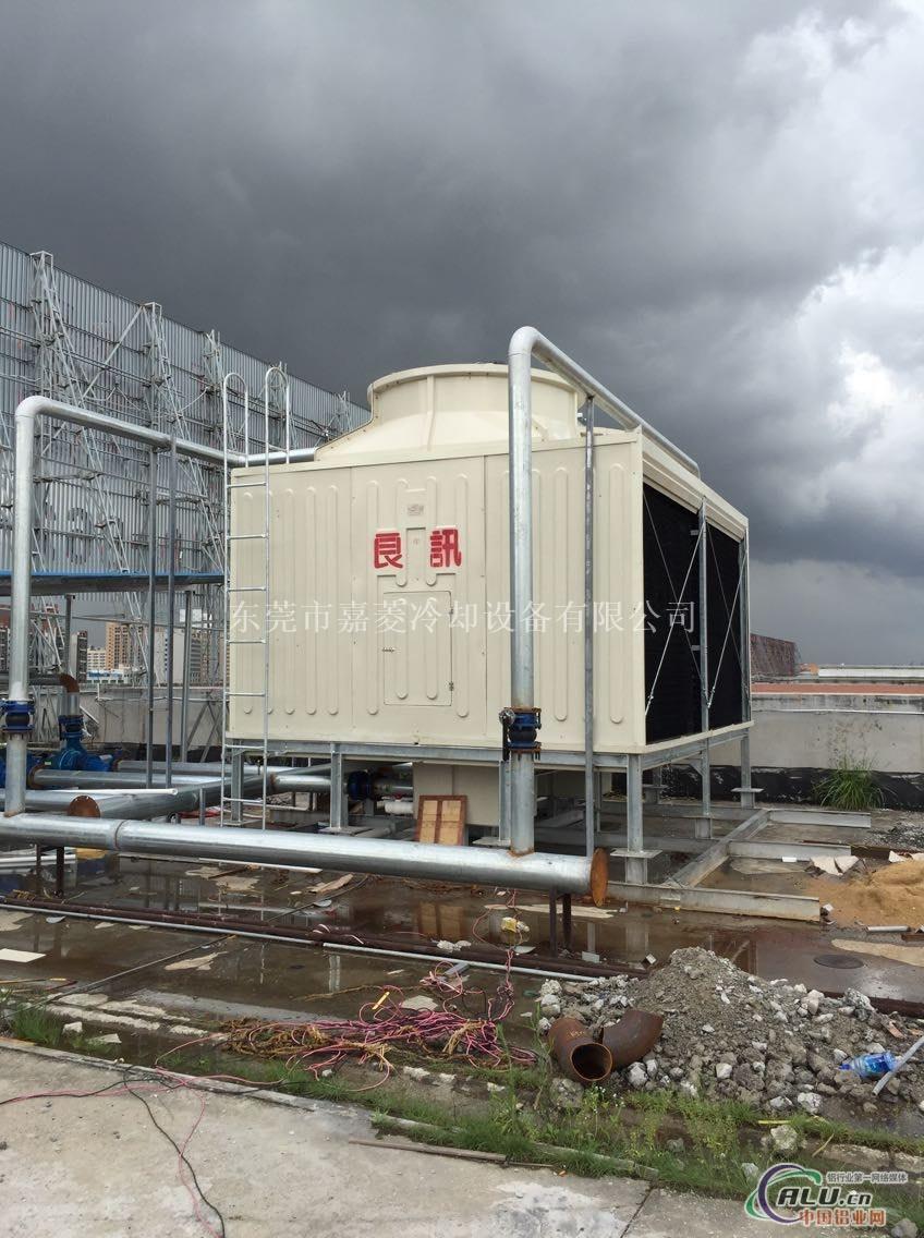 德国在施梅豪森的核电站的一座高146米的干式冷却塔中采用了网索结构