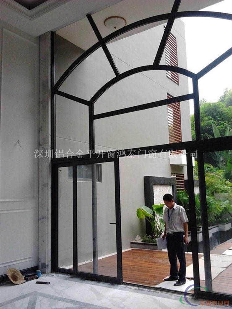 主要生产提供高档铝合金门窗,断桥铝门窗,室内门窗,室外门窗,推拉门窗