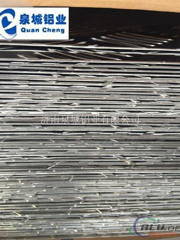 花纹铝板 五条筋花纹铝板