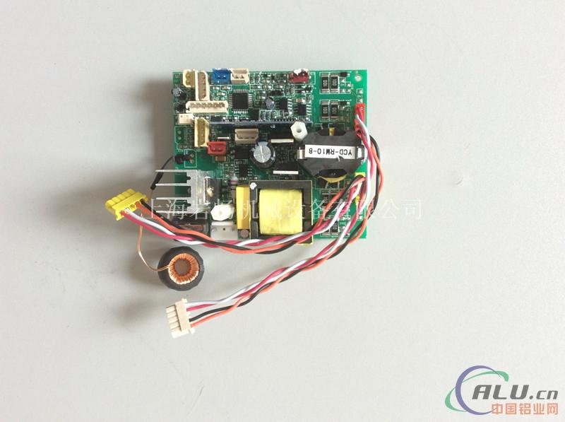 55k左右(见检测方法11)   d, 热敏电阻在igbt逆变部件压板(电路板)上