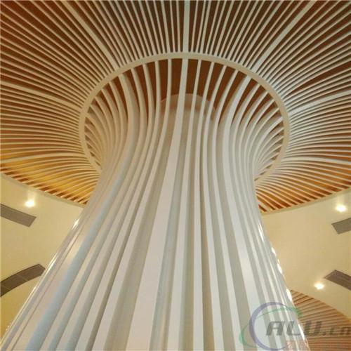 供应弧形木纹铝方通天花吊顶厂商