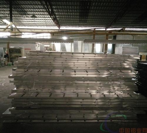 供应铝格栅天花吊顶安装工艺