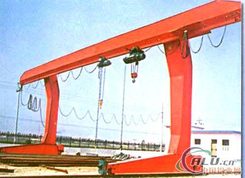 起重机的设计,制造,销售等业务,公司旗下的链条分厂主要从事矿用链条图片