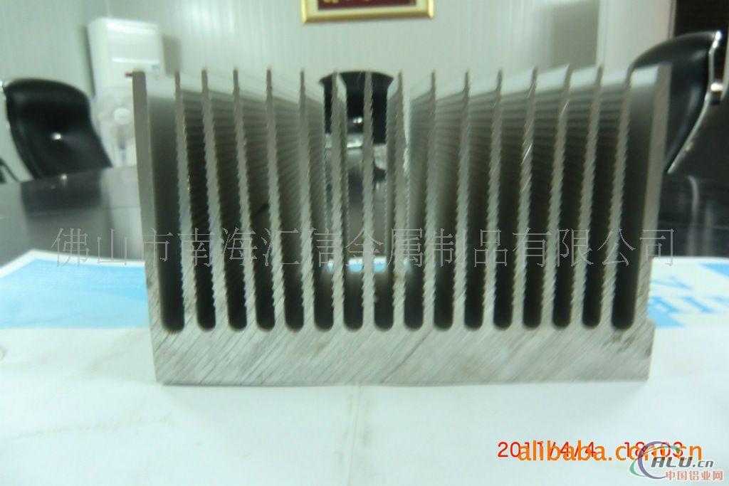 供应大型截面散热器
