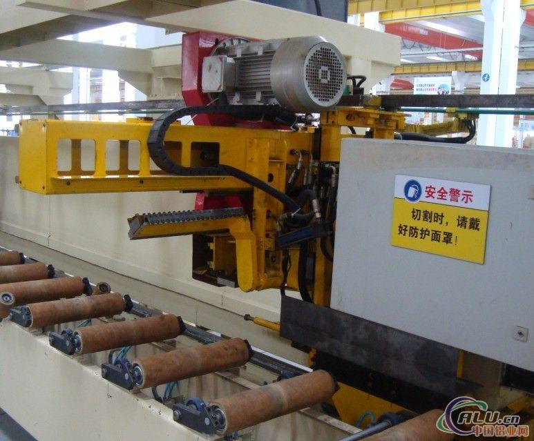 供应铝型材设备铝挤压双牵引机