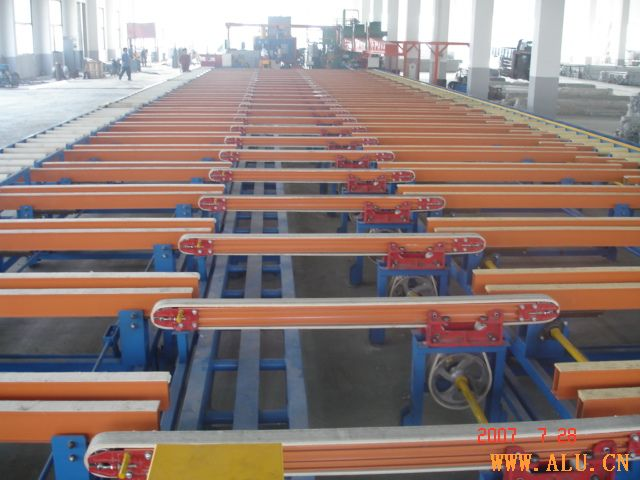 Supply cooling table
