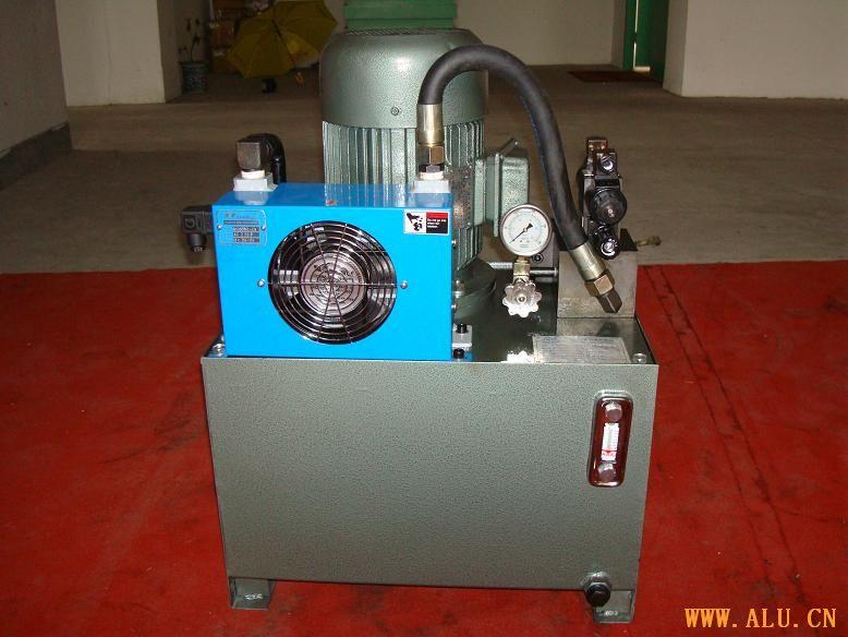 hydraulic power station for cutting machine