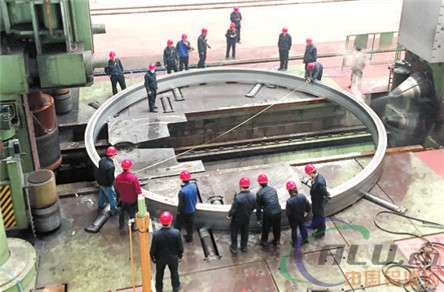中国登临世界火箭铝环件绝顶