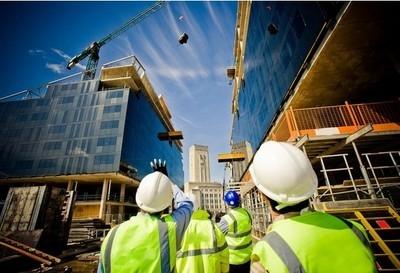 平果铝总经理黄卫平深入炭素公司配套华磊项目技改工程施工现场检查指导工作