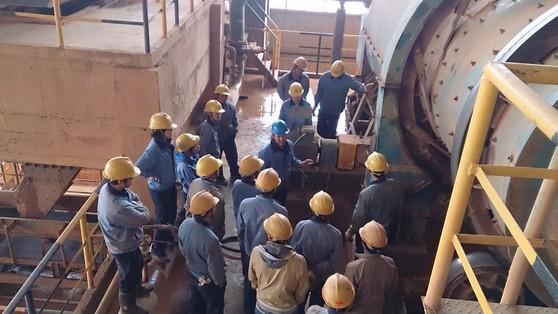 云南文山铝业卖酒坪矿区开展设备管理现场培训