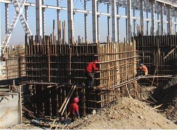酒钢集团铸轧铝深加工项目紧张施工