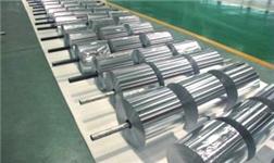 复合铝箔的粘贴设备和方法