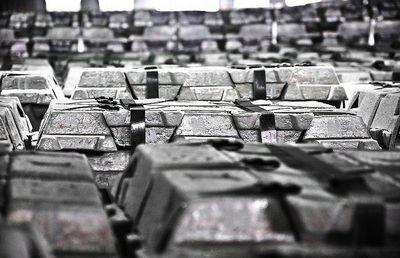 消费好转供给收缩 电解铝库存面临拐点
