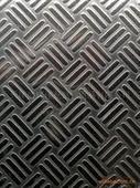 5A02{三条筋小花纹铝板现货}