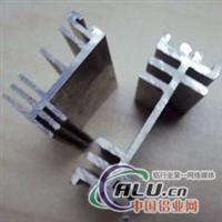 铝型材挤压铝异型材