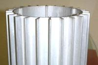 大挤压机生产各类工业铝材
