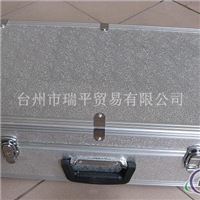 厂家供用各种规格箱包料