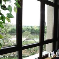 铝包木门窗玻璃里面有雾是质量问题吗