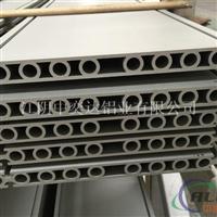 6800吨压机生产大截面散热器